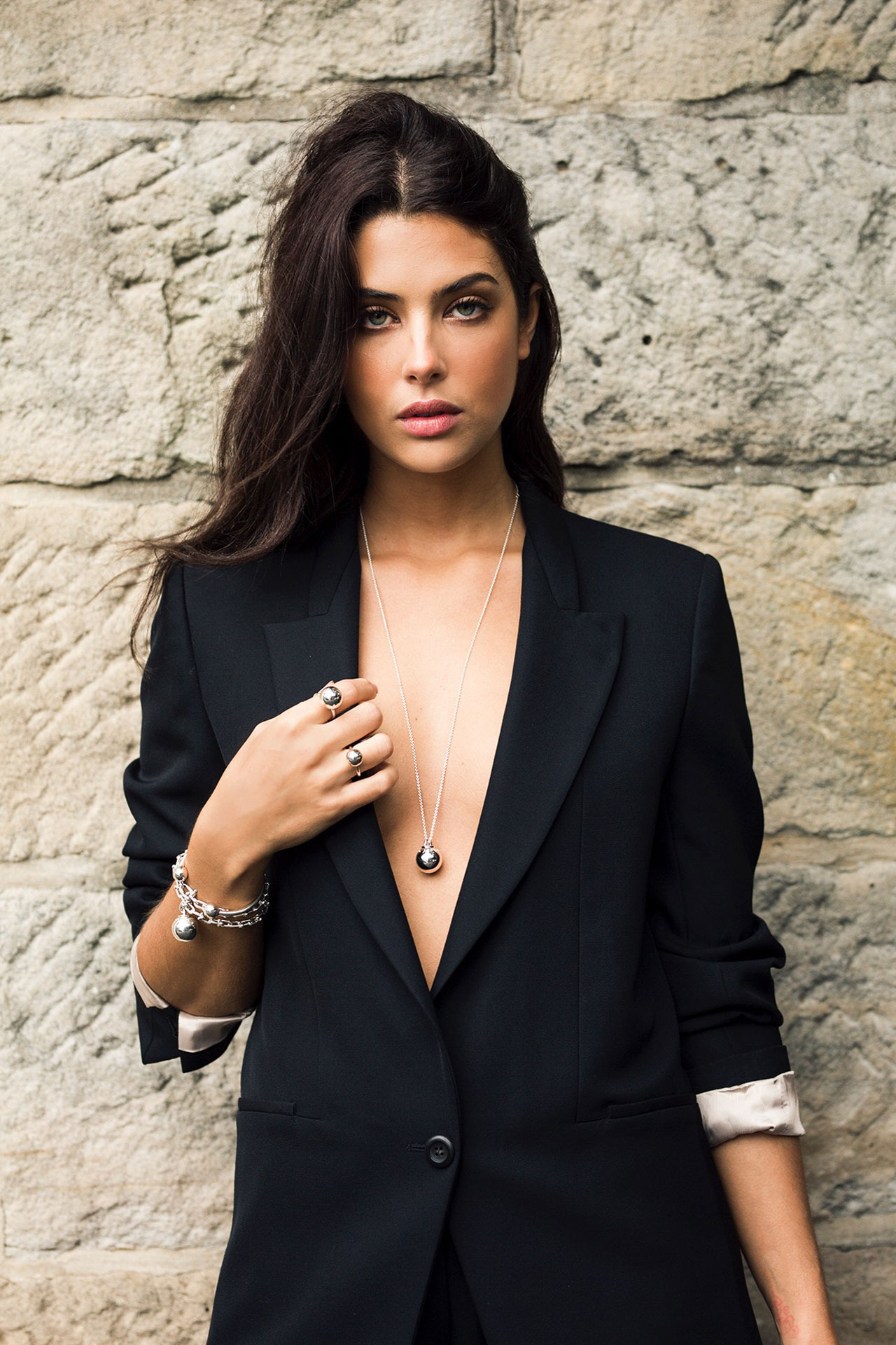 How To Style Metal Jewellery Like These Fashion Stars