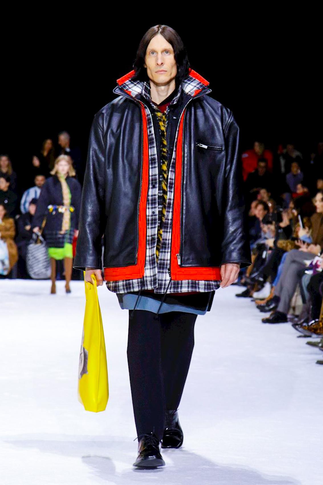 precio atractivo en pies tiros de ahorros fantásticos Balenciaga AW18 Runway Collection (Paris Fashion Week)