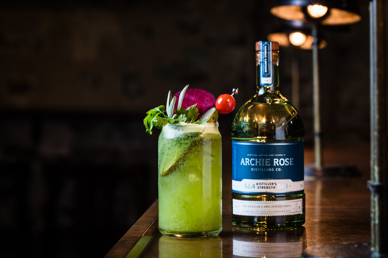 A green gin and juice cocktail that celebrates fermentation and friendship