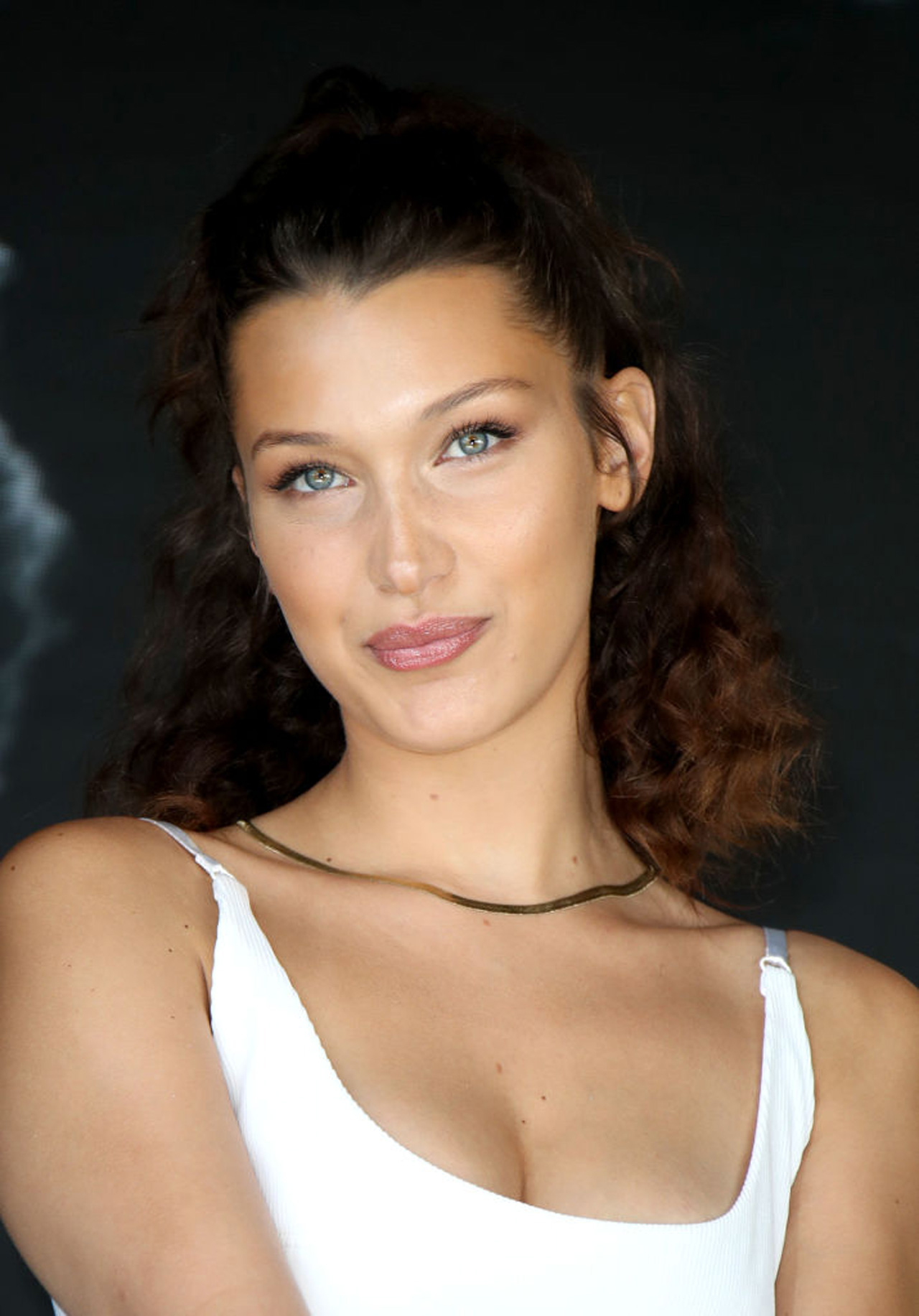 This Is How To Get Bella's Hadid's Curly Cannes Hair ...