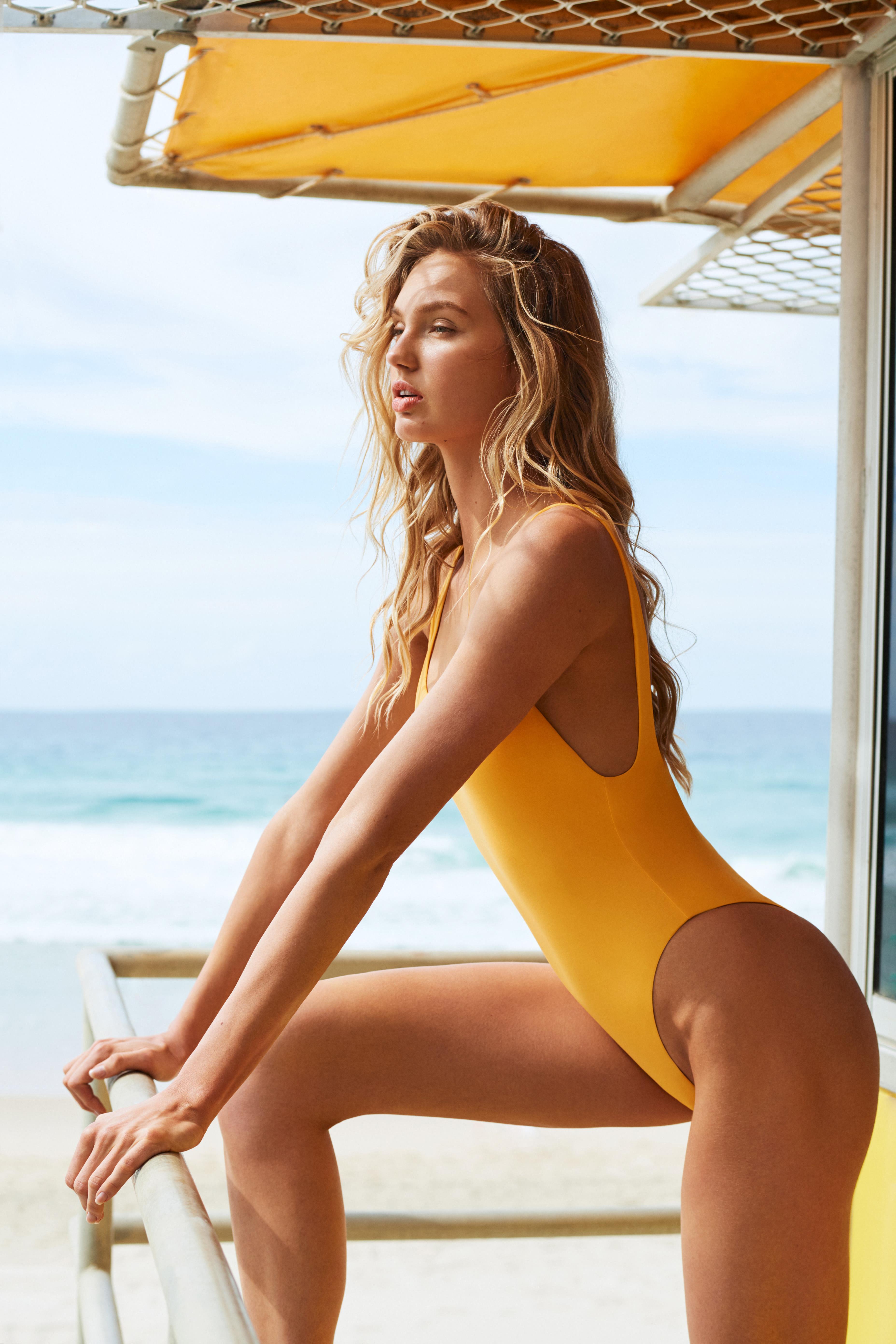 eefe804037 Swimsuit supermodel Romee Strijd reveals her swimsuit body routine