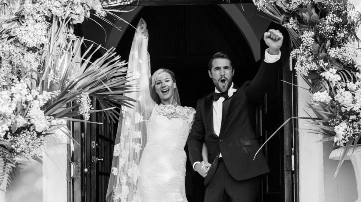 'Revenge' Co-Stars Emily VanCamp and Josh Bowman Got Married In Real Life