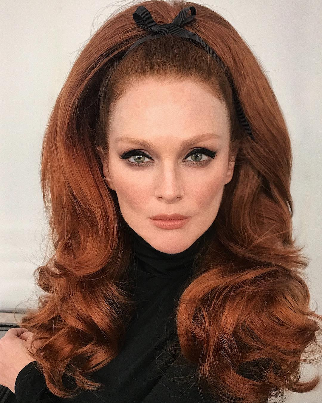 Julianne Moore Is Our New 60s Beauty Muse And Proves At 58