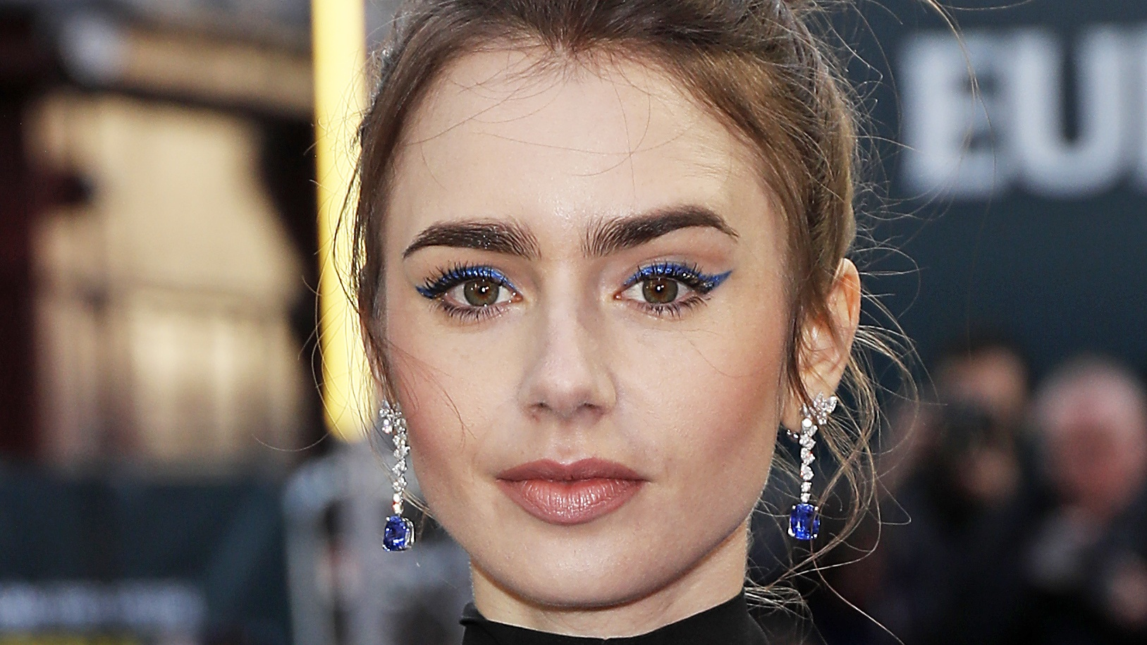 Lily Collins' Winged Blue Eye Is Your Weekend Beauty Inspiration